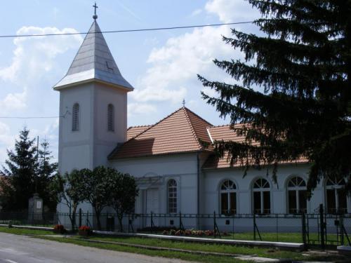 Fájdalmas Szűzanya templom, Halászi